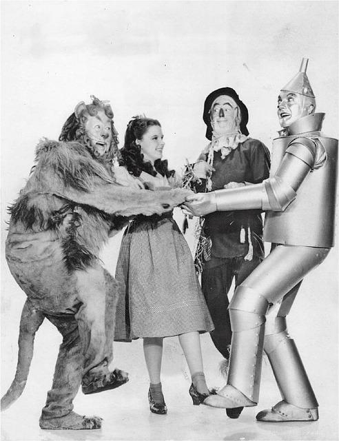 Dorothy y sus amigos en busca del Mago de Oz.
